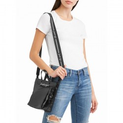 Размер Kendall + Kylie Black Mini Tote Crossbody